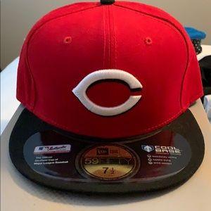 Cincinnati Reds fitted hat